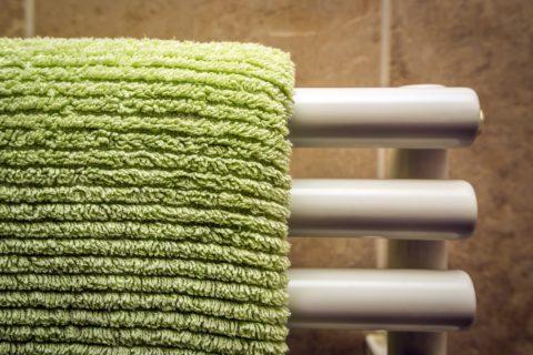Le radiateur sèche-serviettes