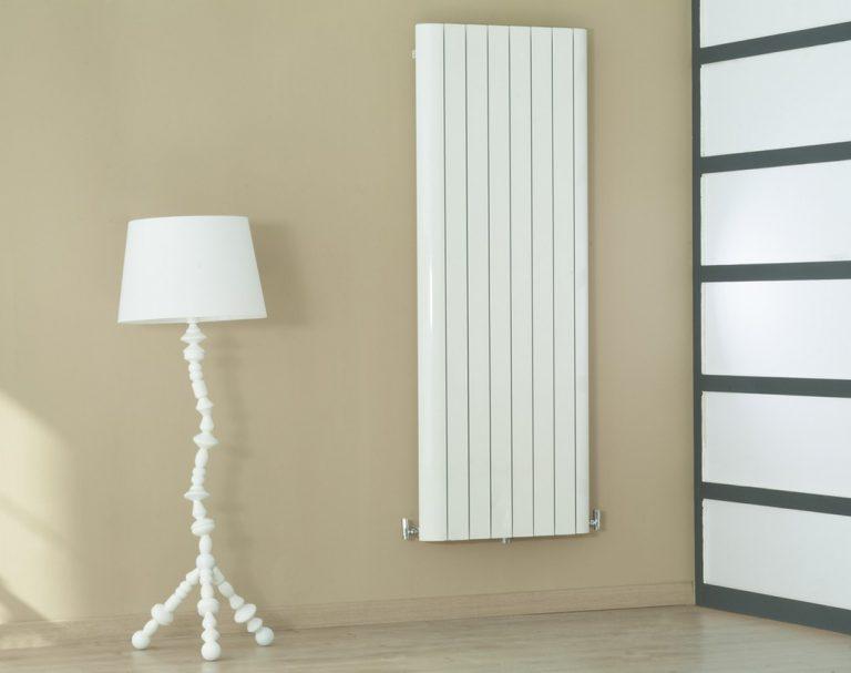 Le radiateur mural à fluide caloporteur